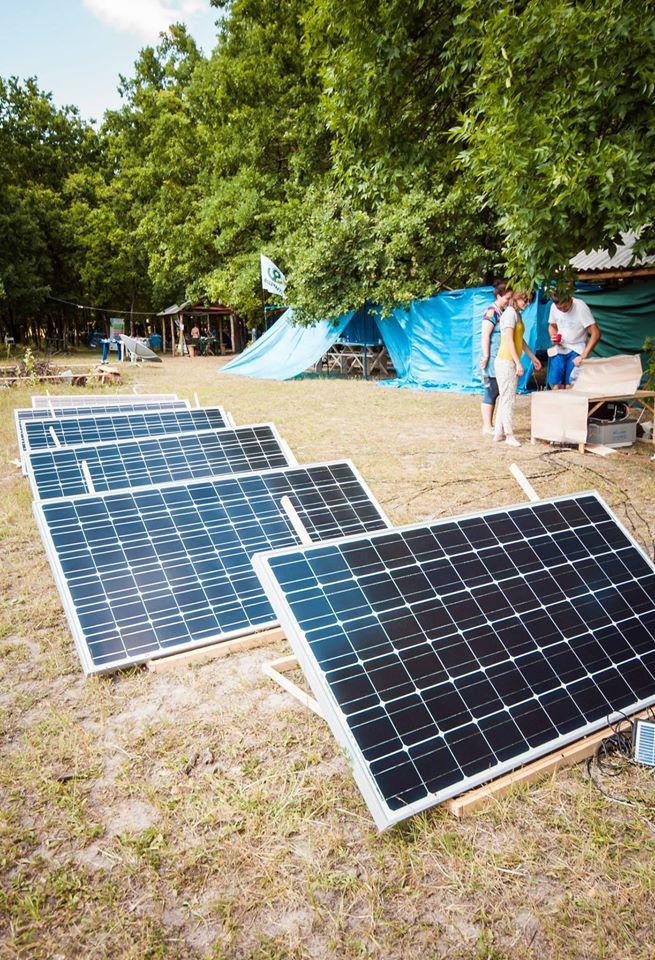 Сонячна міні-електростанція табору