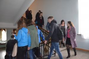 Студенти прямують до укриття