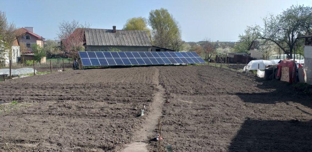 Приватна сонячна станція у Рівному.