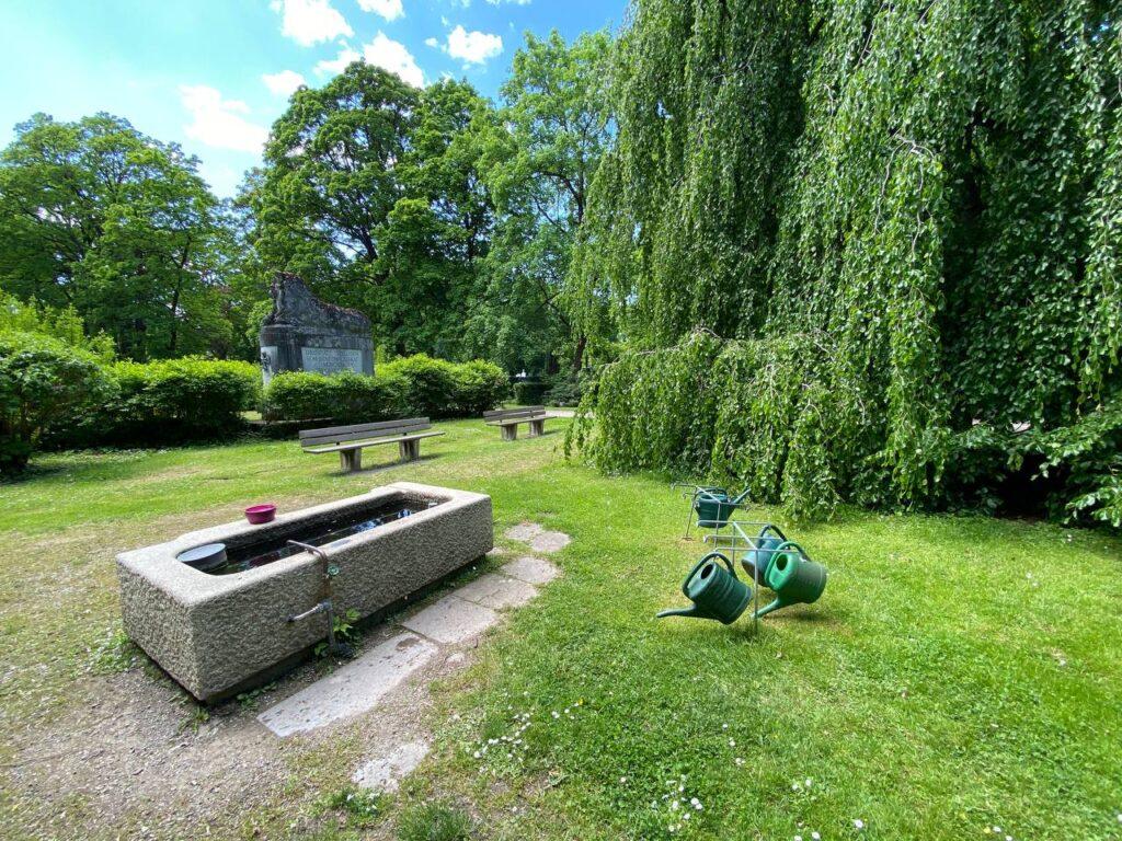 Вода для спільного використання - озеленення німецьких кладовищ